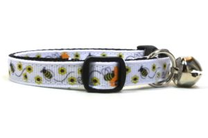 Bumblebees Breakaway Cat Collar by Swanky Kitty – side