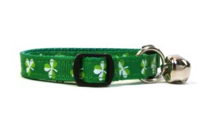 Green Shamrocks  Breakaway Cat Collar by Swanky Kitty – side