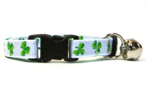 White Shamrocks Breakaway Cat Collar by Swanky Kitty – clip