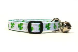 White Shamrocks Breakaway Cat Collar by Swanky Kitty – side