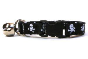 Black Skulls Breakaway Cat Collar by Swanky Kitty – clip