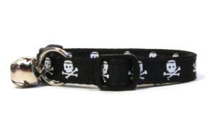 Black Skulls Breakaway Cat Collar by Swanky Kitty – side