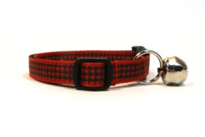 Red Houndstooth Breakaway Cat Collar by Swanky Kitty – side