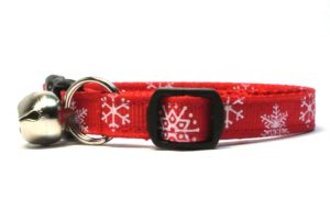 Red Snowflakes Breakaway Cat Collar by Swanky Kitty – side