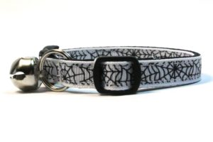 Spiderwebs Breakaway Cat Collar by Swanky Kitty in White – side