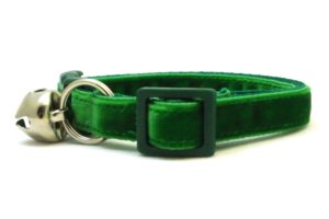 Green Velvet Breakaway Cat Collar by Swanky Kitty – side