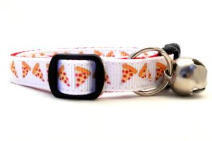 The Pizza Pie Breakaway Cat Collar by Swanky Kitty – side